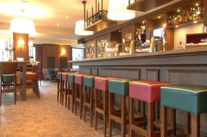 Baruri lemn masiv pentru Pub Cafenea