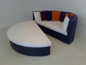 Canapea rotunda JANINA