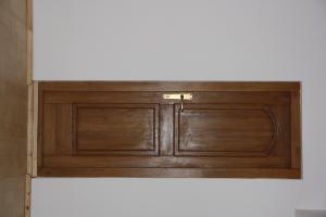 Usi de interior din lemn masiv stratificat modele diferite sau pe comanda