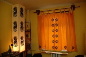 Impresisonlamp for window and curtain