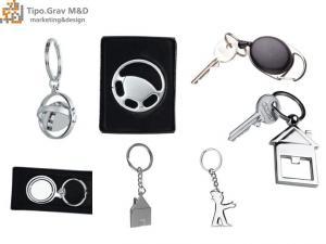 Brelocuri metalice personalizate
