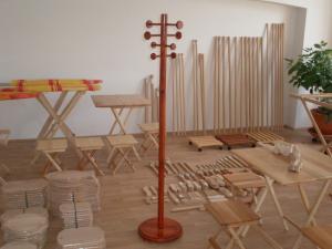 Obiecte din lemn de  uz casnic si gospodaresc
