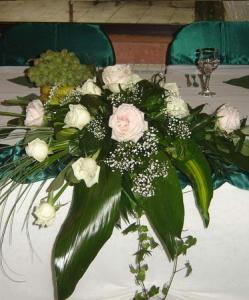 Aranjament floral masa invitati