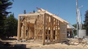 Dulapi din lemn pentru constructii
