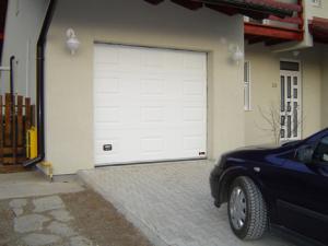 Usi garaj sectionale rezidentiale