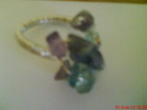 Inel argintat cu semipretioase