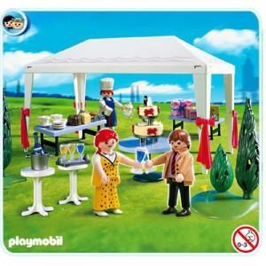 INVITATII LA NUNTA IN CORTUL PETRECERII- Playmobil