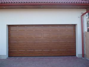 Usi metalice pentru garaje