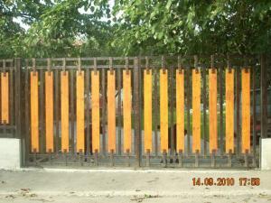 Poarta fier forjat Bacau - Poderale Company