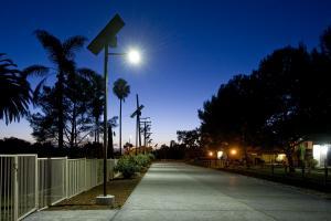 Stalp solar 90W lampa led 24W12V intensitate 2900 lm