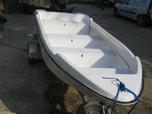 Barca fibra sticla