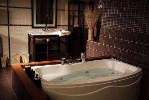 Cada de baie si hidromasaj