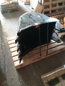 Buldoexcavator komatsu wb 93 r