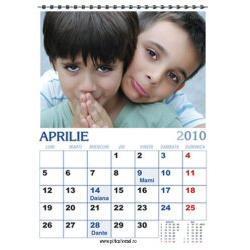 Calendar de perete personalizat (45 x 32 cm) CLP01