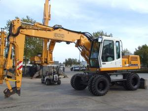 Excavator liebherr a900