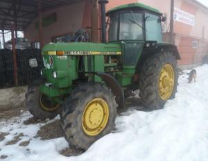 Vand Tractor John Deere 4440
