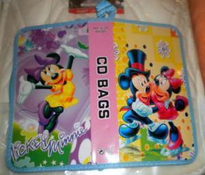 Port CD mare Mickey si Minnie