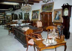 Restaurari profesionale mobilier antic