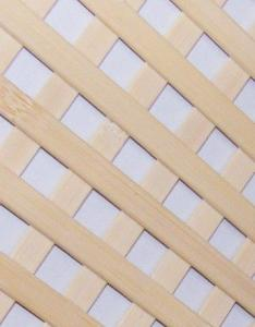 Panou grilaj (grila, gratar) din lemn si bambus