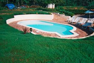 Tratarea apei din piscine bio