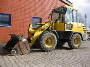 Incarcator Frontal pe pneuri KOMATSU WA 65-3 second hand 14.900 Euro incarcatoare frontale ieftine de vanzare