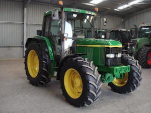 Tractor john deere model 6410