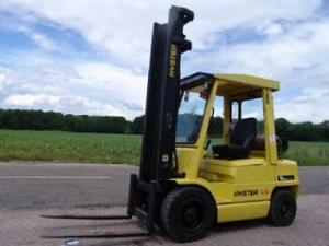 MOTOSTIVUITOR SECOND HAND IEFTIN HYSTER H3.00XM capacitate 3 tone la 5m