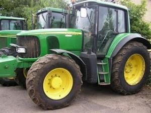 Tractor John Deere 6820 second hand de vanzare tractoare john deere import 2006 36700 Euro