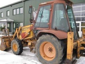 Buldoexcavator ieftin case