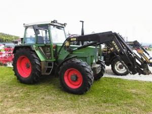 Tractor cu incarcator frontal 90