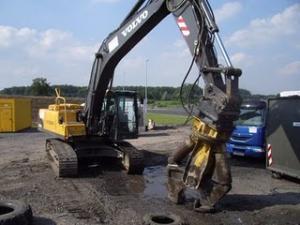 Excavator Volvo EC 240 C de vanzare NOU vanzari excavatoare leasing