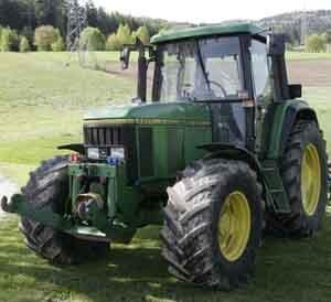 Tractor john deere model 6800