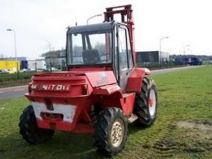Manitou motostivuitor