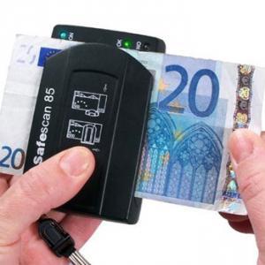 Aparat verificat valuta
