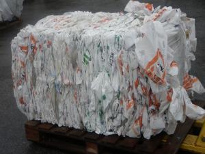 Cumparare deseuri plastice