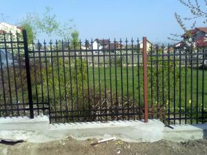 Porti garduri grilaje