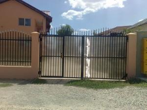 Porti de acces din metal,  porti metalice