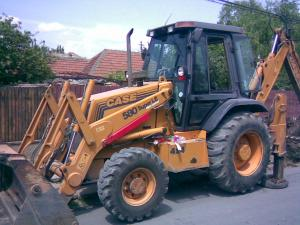Buldoexcavator buldoexcavatoare
