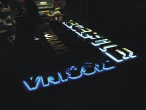 Tuburi neon inox