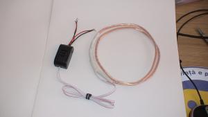 Microcasca cu microvibratie pe timpan