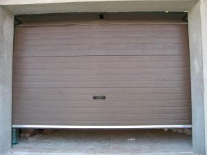Reparam si intretinem usi de garaj rezidentiale basculante, sectionale , inclusiv si automatitzarile pentru acestea.