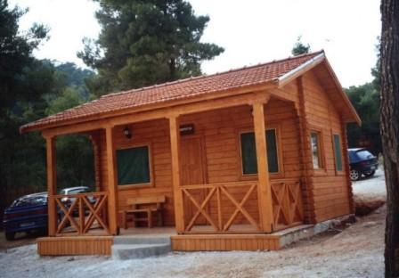 Case din lemn case lemn vile din lemn constructii for Case din lemn ieftine