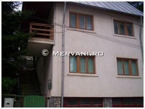 Vila cu 4 camere de Inchiriat in Sinaia (Furnica), 1.500 €