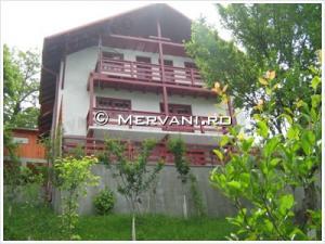 Vila cu 4 camere de Vanzare in Comarnic (Semicentrala), 130.000 €