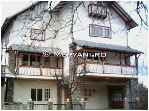 Vila cu 10 camere de Vanzare in Breaza (Liceul Militar), 250.000 €