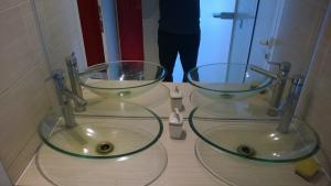Chiuvete de sticla
