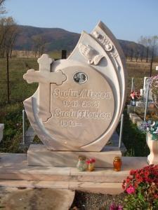 Monumente funerare ; balustrii