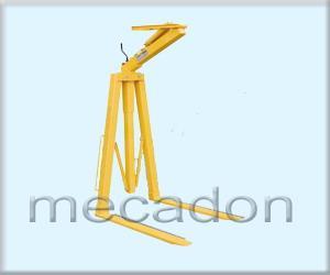 Dispozitiv pentru ridicat paleti