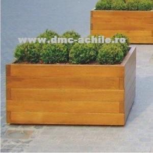 Jardiniera eleganta din lemn