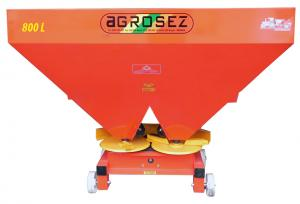 Fertilizator-Masina de fertilizat 800 l